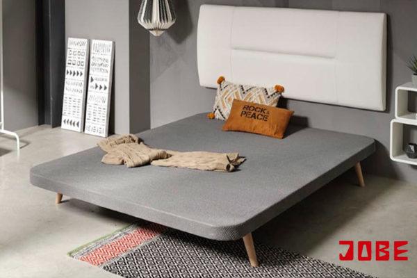 bases tapizadas con tela antideslizante para evitar el movimiento del colchón. patas nórdicas o rectas opcionales muebles jobe calatayud brea de aragón